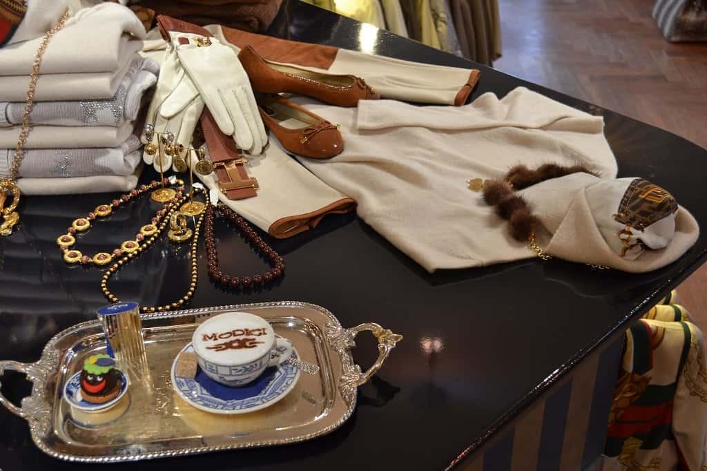 Exclusieve dameskleding in Laren NH bij damesmode Modici - ook grote maten