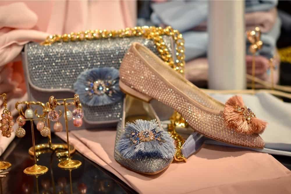 Luxe damesschoenen winkel in Laren in het Gooi met exclusieve elegante of sportieve schoenen van oa Sandro Vicari