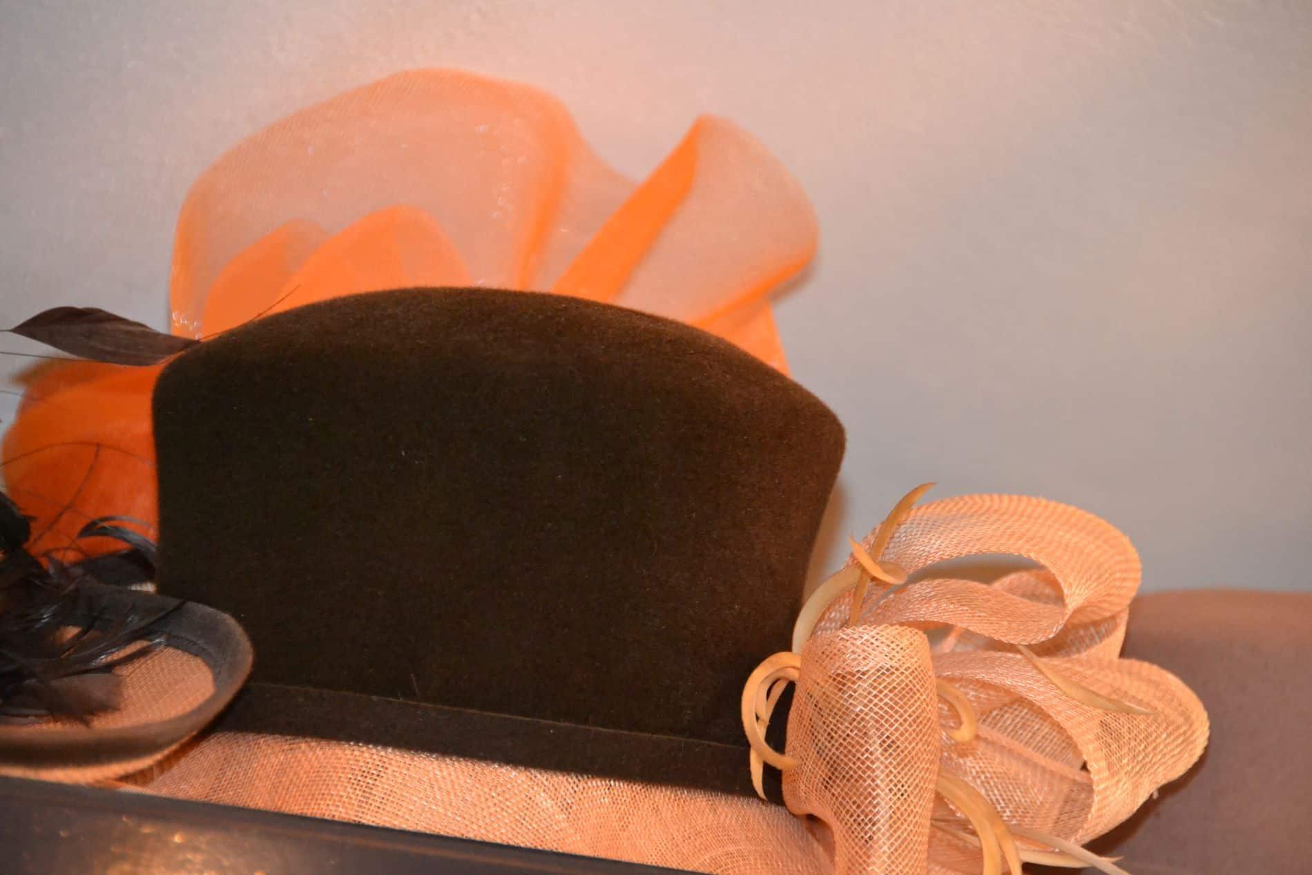 Exclusieve hoeden - Elegante hoeden voor bruidsmoeders en andere feestelijke gelegenheden