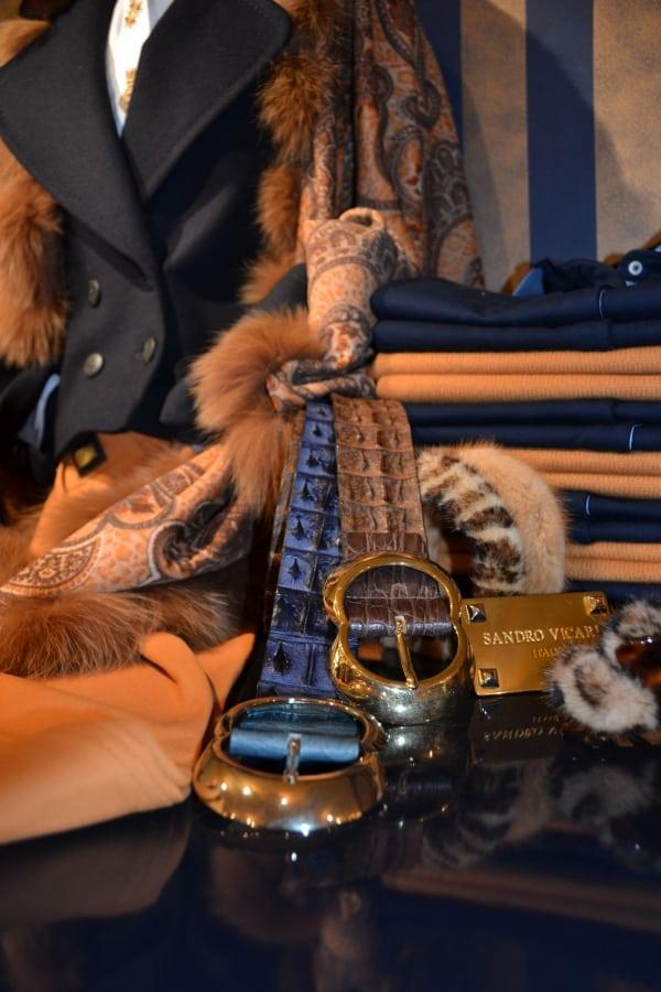 Luxe exclusieve riemen en ceintuurs bij Modici damesmode in Laren in het Gooi